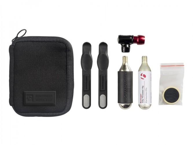 Bontrager Pro Flat Pack Fahrrad Reparaturset inkl. Air Rush Elite CO2 Pumpe schwarz